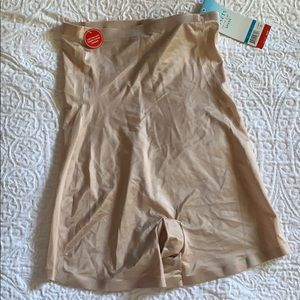 Assets Red Hot Label by Spanx Size XL NEW!